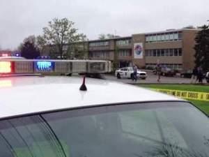 KNXV_Ohio_school_shooting_20130429081309_320_240